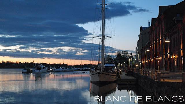 Helsinki keväisenä aamuyönä - www.blancdeblancs.fi