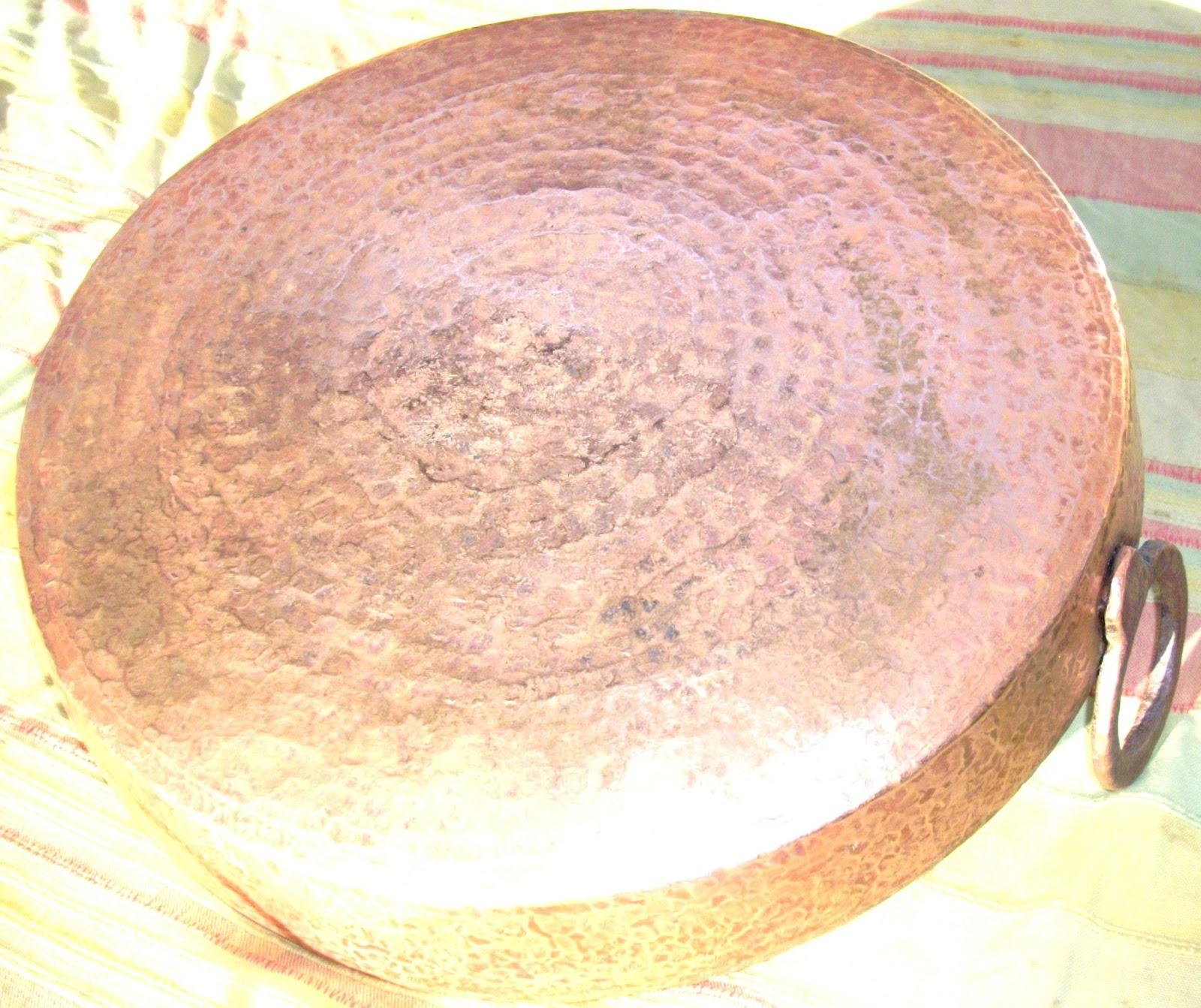 plat rond en cuivre