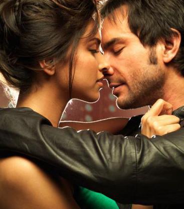 Deepika padukone kissing videos