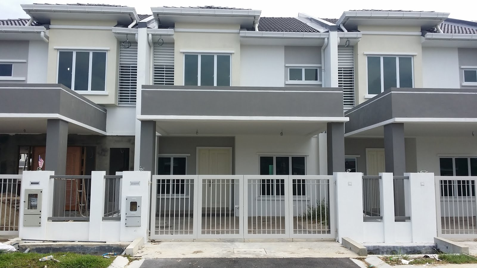 Kuching property and real estate sale double storey for 3 storey terrace house for sale
