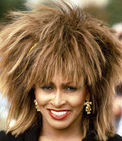 Tagli capelli donne 60 anni