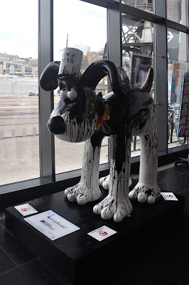 Watch Out Gromit! (side view)