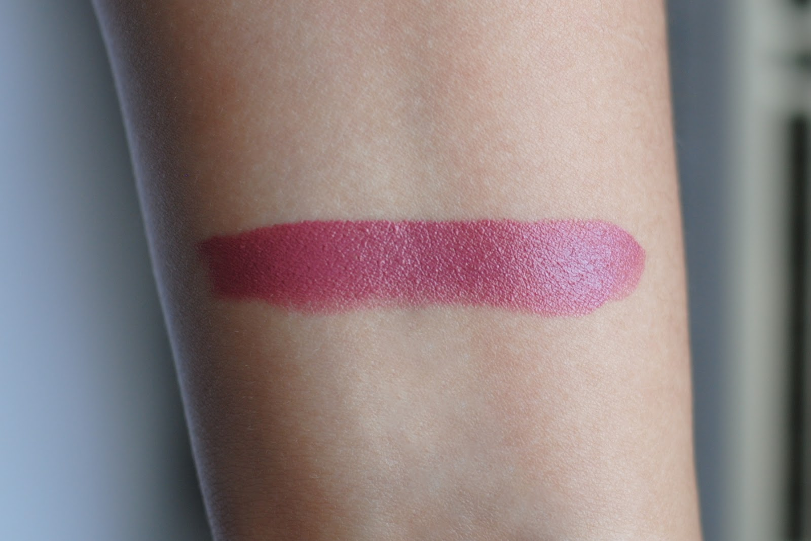 bobbi brown rich lip color 25 desert rose swatches