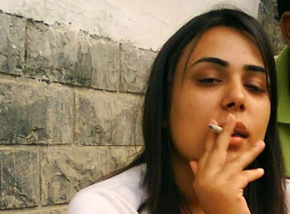 smoking pkistani girls