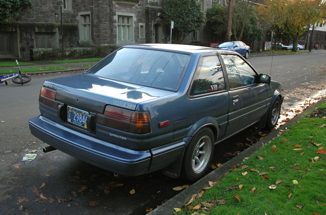 Old Parked Cars   1986 Toyota Corolla Gt