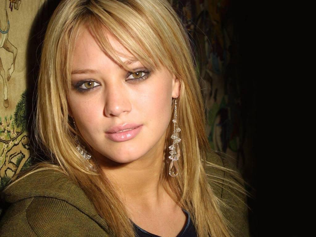 http://3.bp.blogspot.com/-GYL4-UzLezQ/Tt0Gur7haqI/AAAAAAAADVg/KTGOalM9vA0/s1600/Hilary-Duff-62.jpg