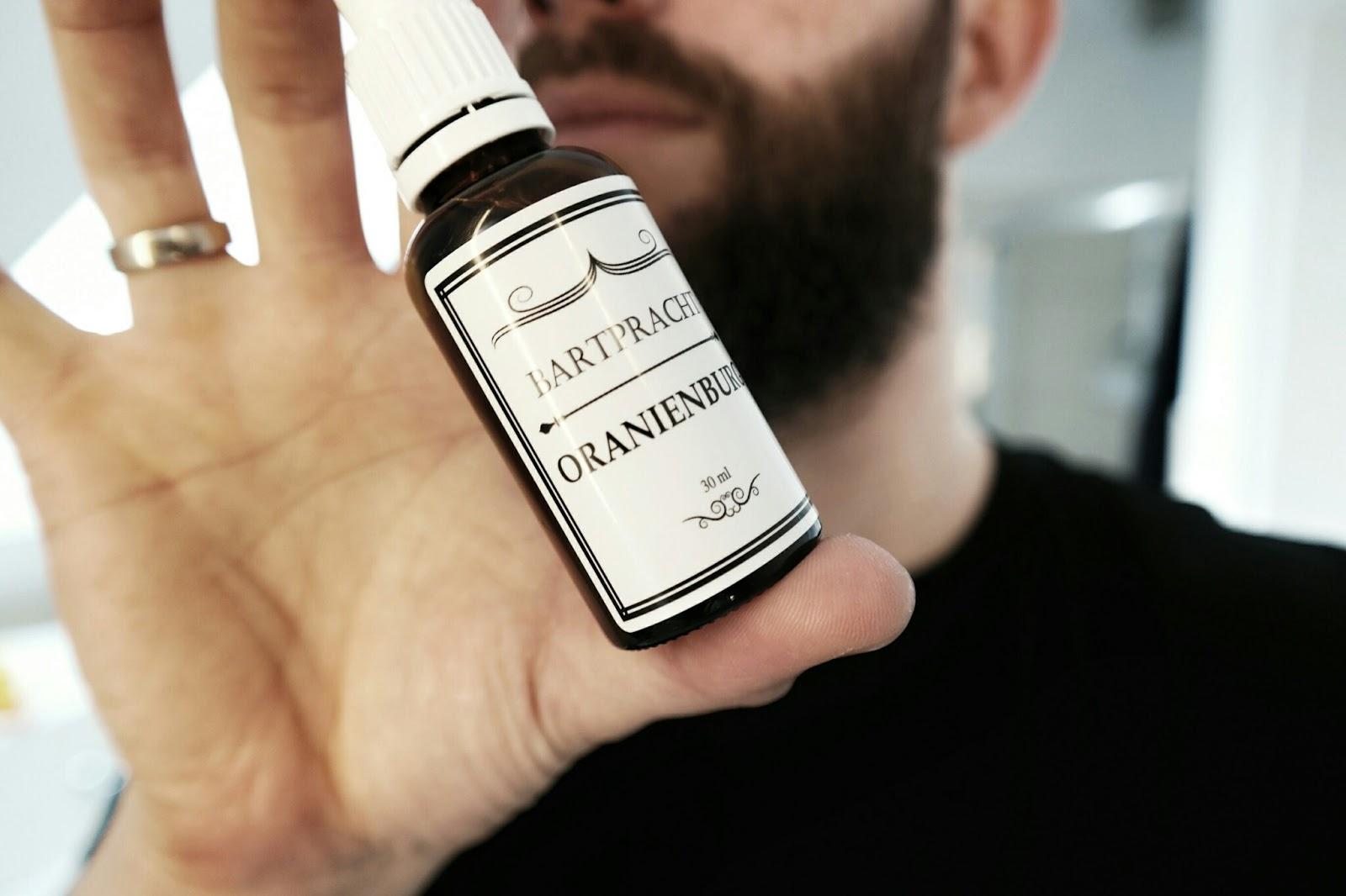 Gentleman, der Bart wird gepflegt - Bartpracht im Atomlabor | Feine Öle für die Gesichtshaare