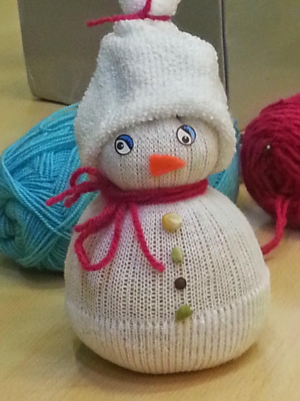 périscolaire de rettel: le bonhomme de neige chaussette