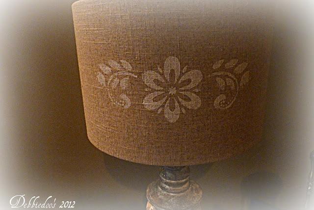 lampgwgw Stenciled lampshade {DIY}