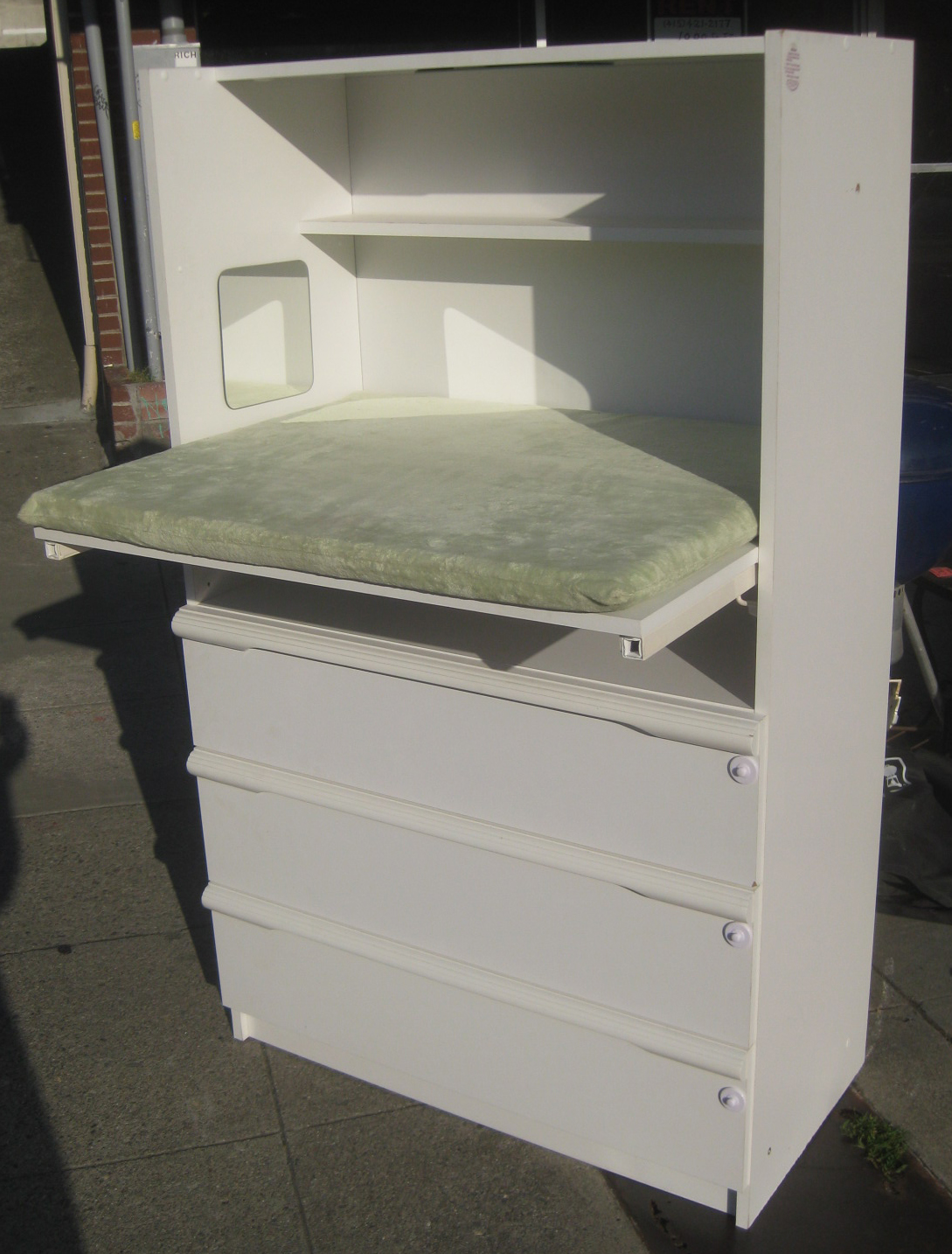 Bellini Changing Table