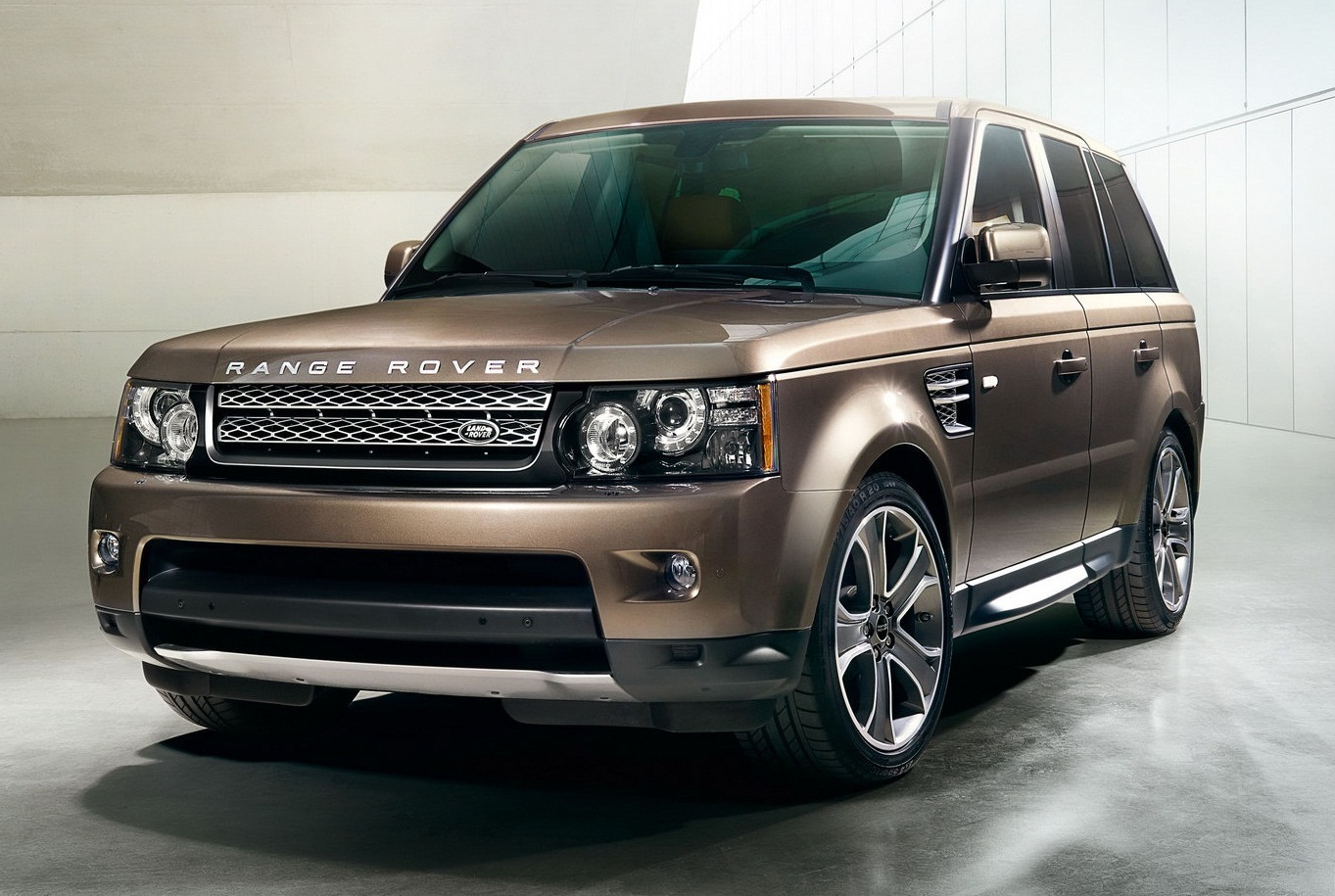 2012 range rover sport fast speedy cars. Black Bedroom Furniture Sets. Home Design Ideas