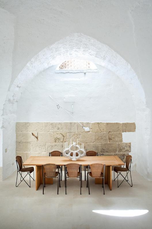 flexo industrial de pared blanco