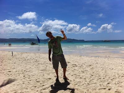 simon legouge entrepreneur nomade plage white beach à boracay