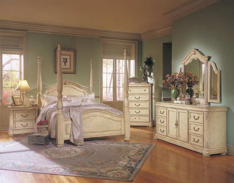 Antique white bedroom furniture furniture for Furniture bedroom
