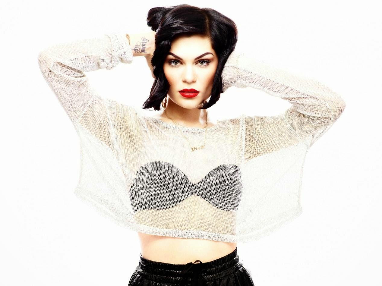 Jessie J – Flashlight (Lyrics)