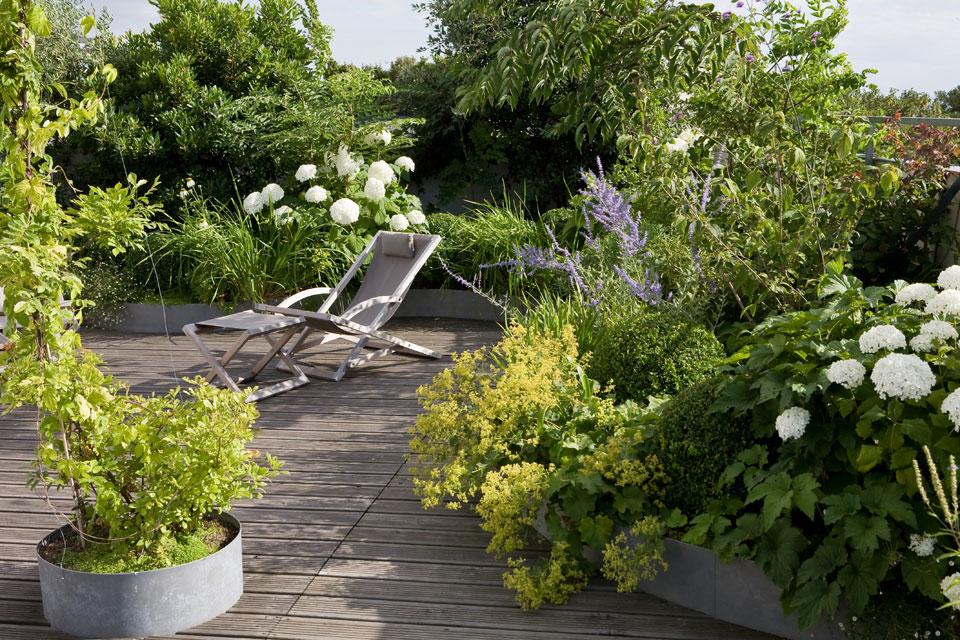 D couvrir l 39 endroit du d cor douce harmonie sur la terrasse for Jardin xavier de chirac