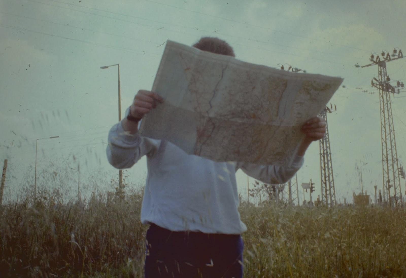 Verzweifeltes Suchen nach dem Standort in der pre-GPS Ära.