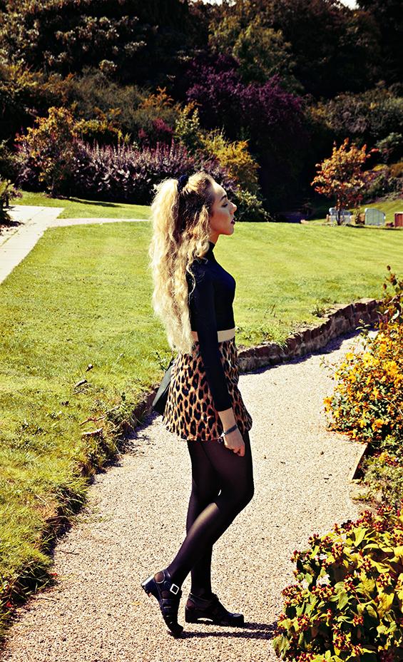motel skirt, juju jelly shoes, primark bag, uk fashion blogger