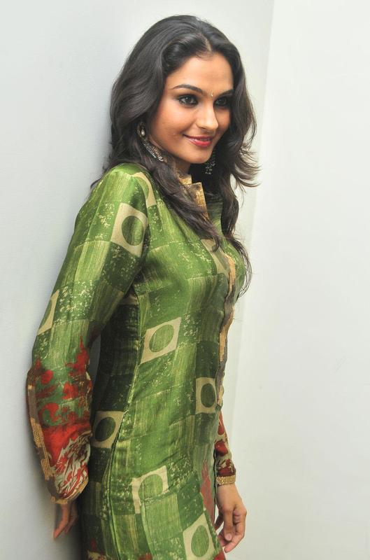 Andrea Jeremiah in green suit - Andrea Jeremiah Pics in Green Suit