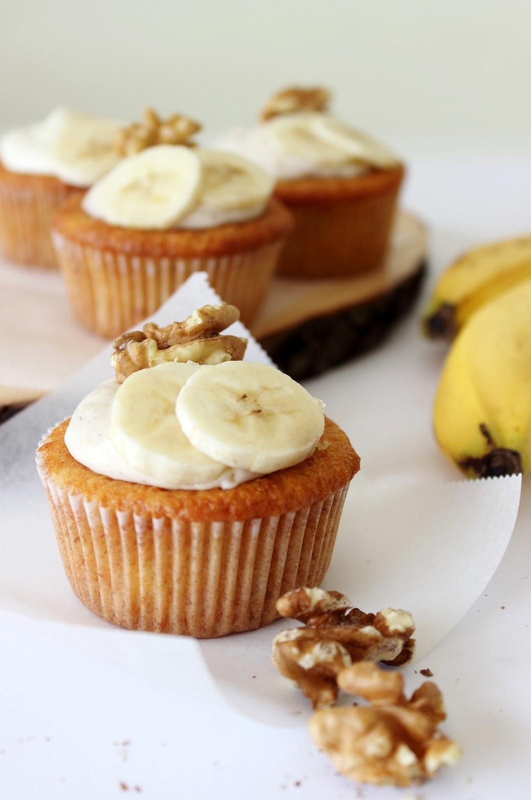 Bananencakejes met walnoten