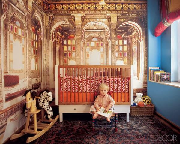 Tapete im Königspalast-Design fürs Kinderzimmer