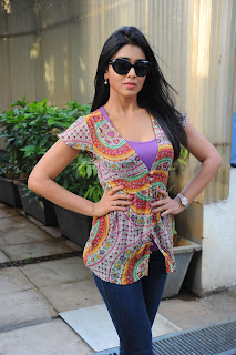 Shriya Saran in a jeans leggigns and a kurta spicy beauty