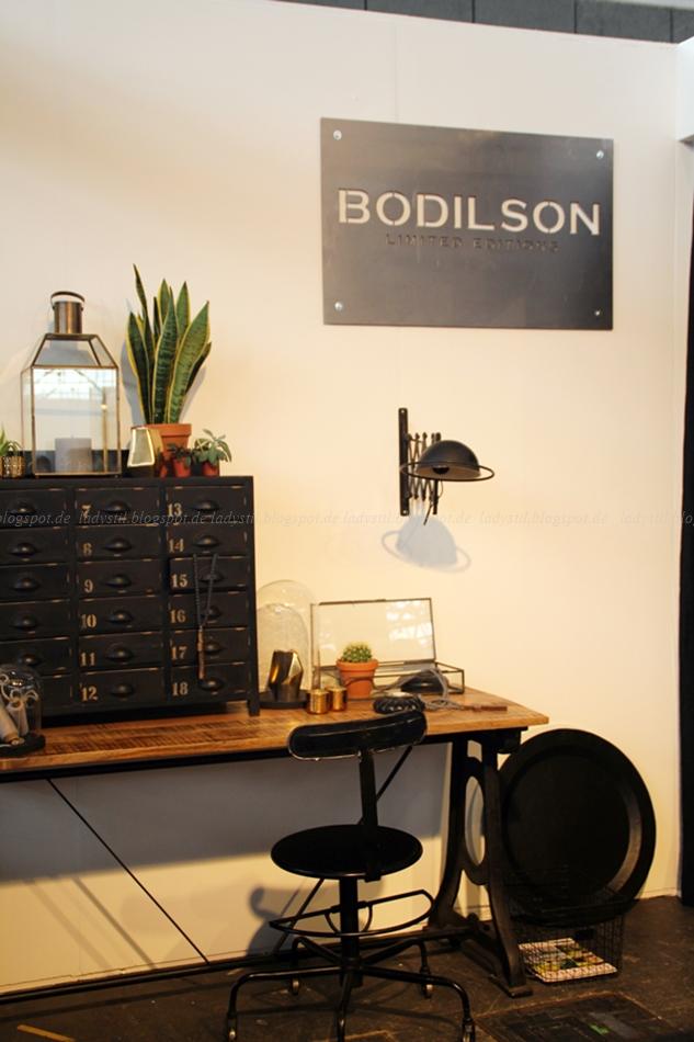 Bodilson Schreibtisch Office Büro in schwarz weiß Holz auf der Messe VT Wonen & Design Beurs in Amsterdam