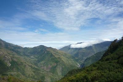 trekking papua indonesia