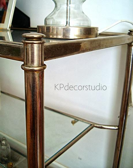 Venta de muebles vintage en valencia. Aparadores y mesitas auxiliares para recibidor y salón