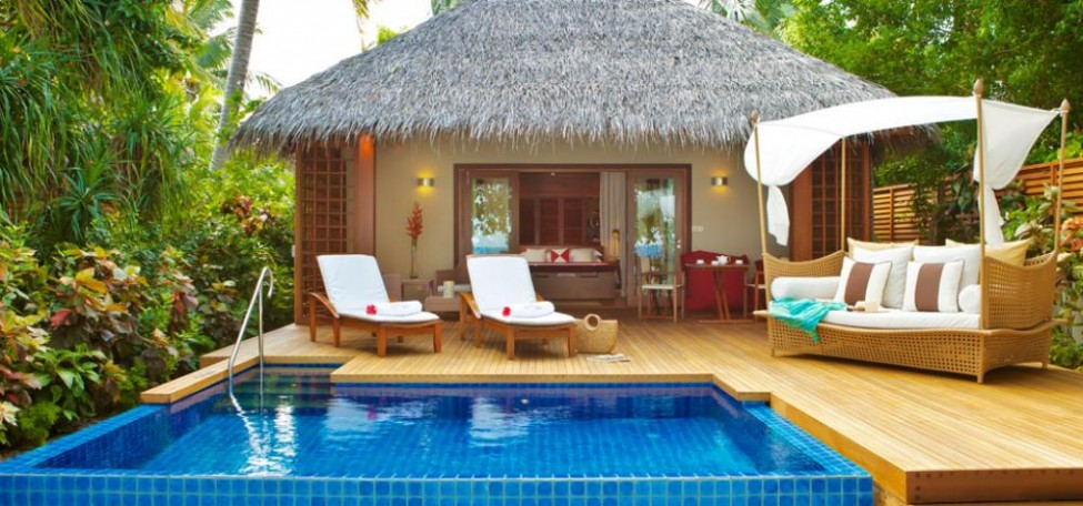 Designing a backyard like a backyard resort for Small resort