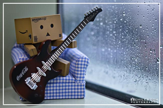 danbo playing guitar danbo mungkin bagi penggemar dan pembaca komik ...