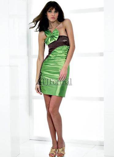 къса зелена рокля
