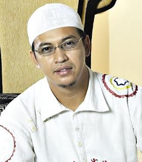 Ustadz Jeffri Al Buchori (Uje) Manusia yang Beruntung
