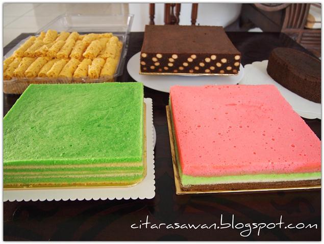 Kek, kek kukus Coklat Polkadot, serikaya pandan dan bolu pelangi ...