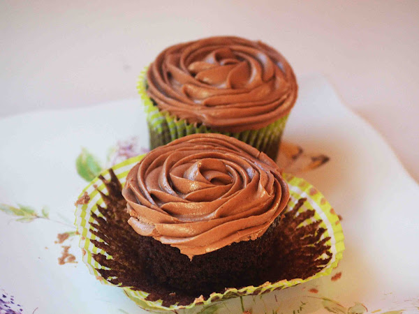 The Perfect Vegan Cupcake ~Sundays With Joy~