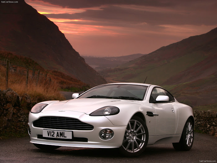 Aston Martin Wallpaper pictures