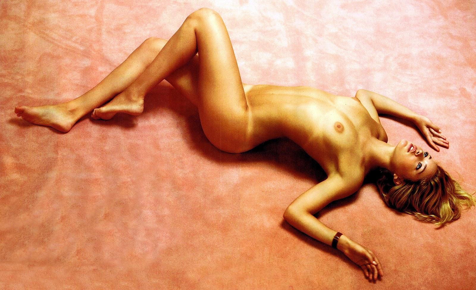 http://3.bp.blogspot.com/-GaLZGskS6fk/T-BMhD8Ds5I/AAAAAAAAd5U/skF2kZ_wdsU/s1600/Doutzen+Kroes+9.jpg