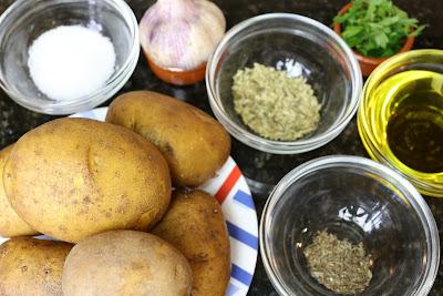 Ingredientes para patatas mediterráneas