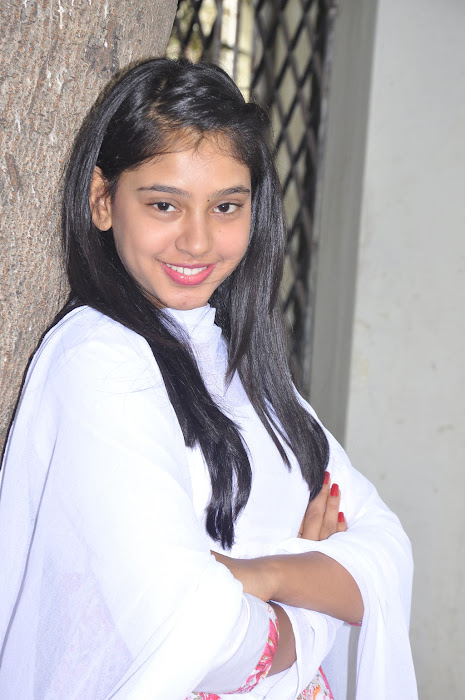neeti taylor latest photos