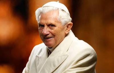 Bento XVI volta para o Vaticano nesta quinta-feira