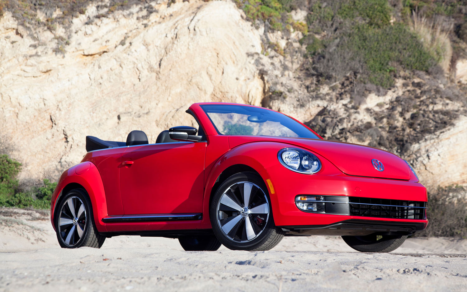cars model 2013 2014 2013 volkswagen beetle convertible opens up to l a sun 2012 l a. Black Bedroom Furniture Sets. Home Design Ideas