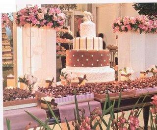Fotos de Decoração de noivado rosa e marrom