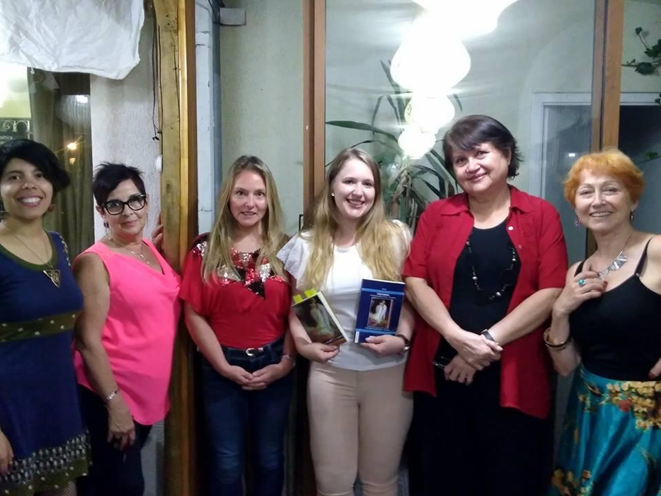 Rucsandra Moisa lee en rumano, nuestros poemas