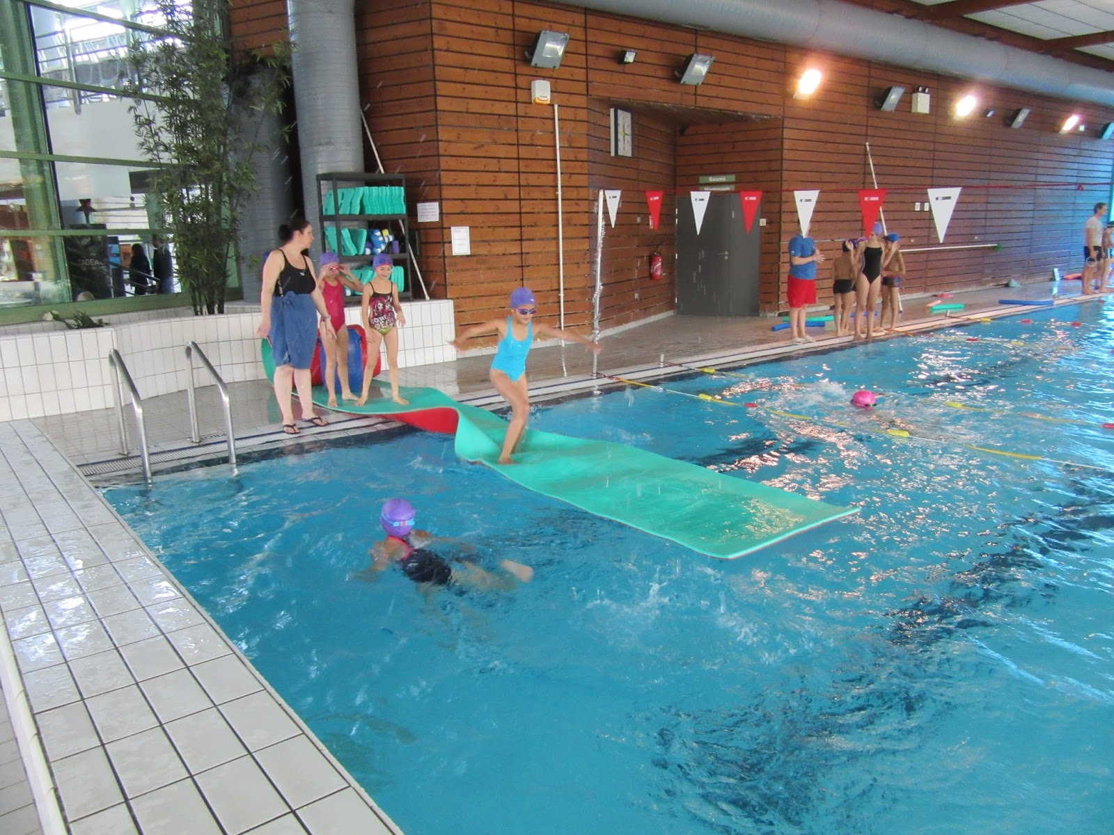 Blog de m douzant ex cm 1 bienvenue welcome for Aquagym piscine paris