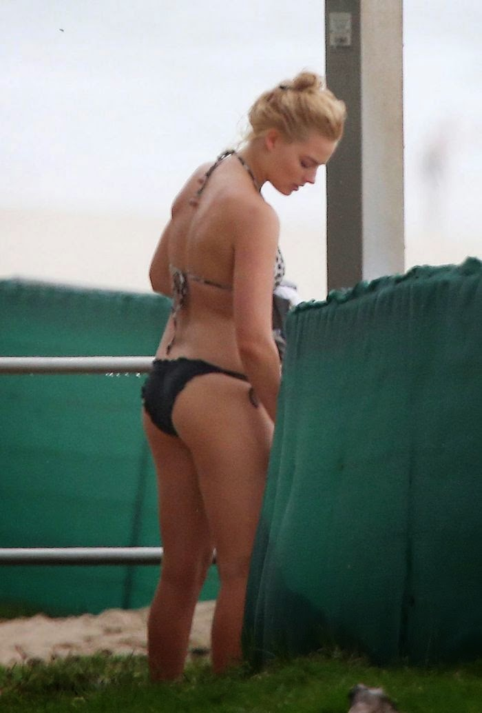 Margot Robbie HOT Bikini