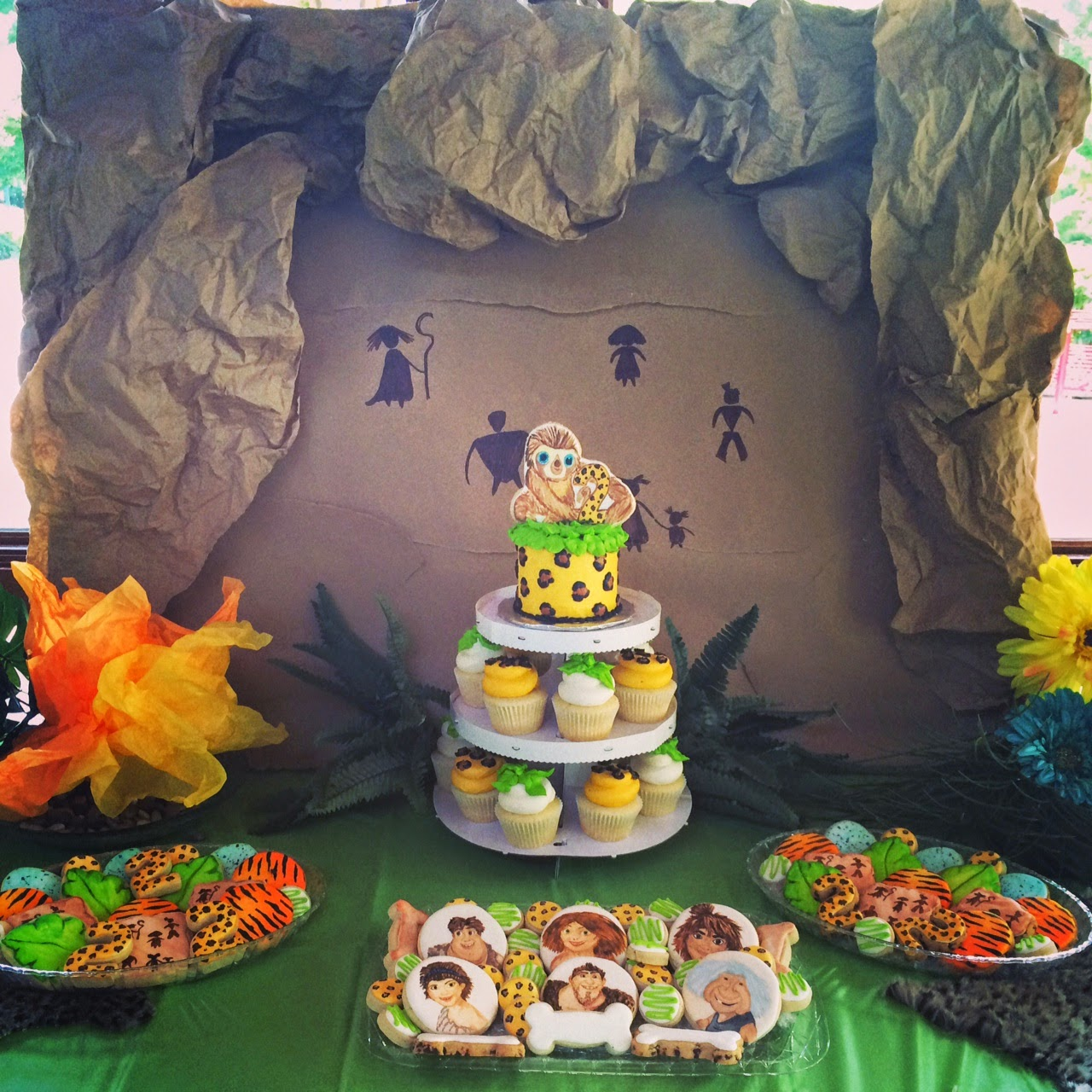 Sweet Libby Cupcakes And Cookies The Croods Themed Birthday Party