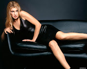 Pat Summerall is dead and Faith Hill is leaving Sunday Night Football. (sexy faith hill in black dress )