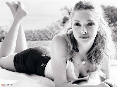 Amanda+Seyfried+hd+Wallpaper_8