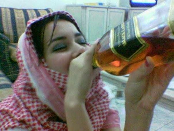 2 Reason Why Arab Girls Drink Too Much