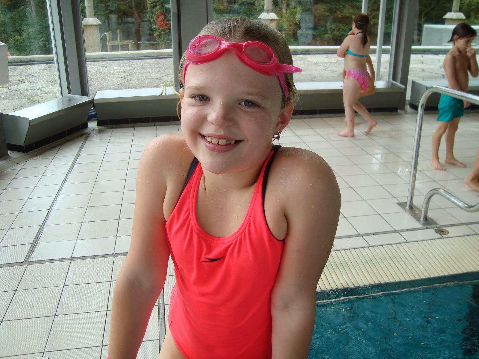 Klasblog Van De 2de Graad  Alle Kindjes Zwemmen In Het